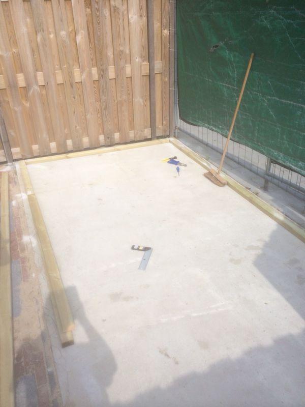 Betonvloer waar de schuur op komt te staan