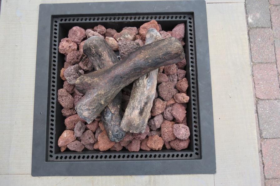 Stenen 'houtblokken'